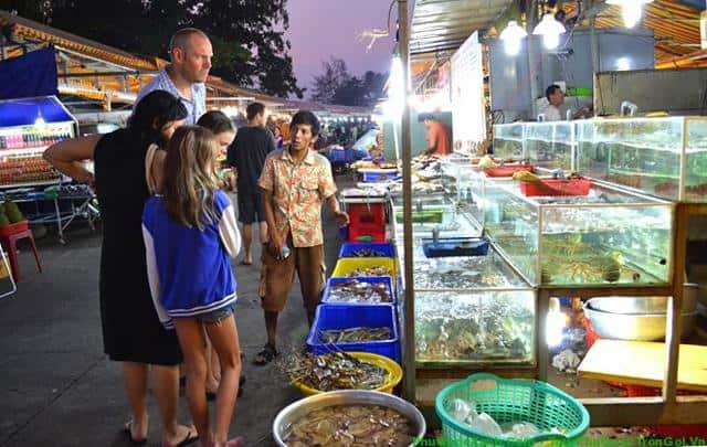 Khám phá thiên đường ẩm thực chợ Đêm Phú Quốc | Bamboo Phu Quoc Resort